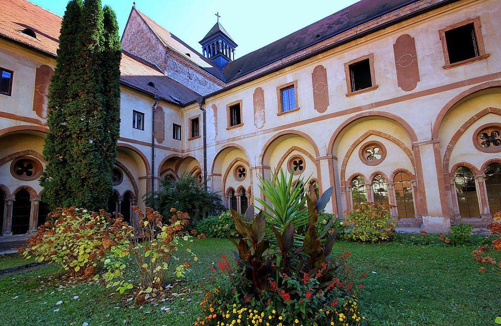 Монастырь Porta coeli